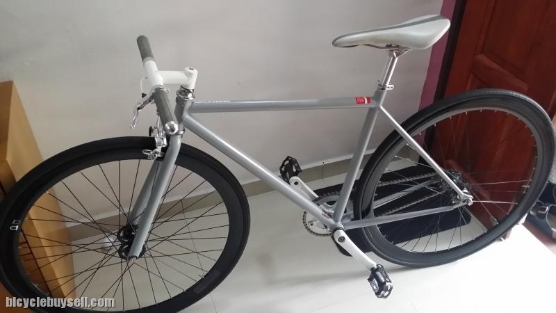 8bdf3ba5edd GLOBE Roll 1 by specialized (Fixed gear)