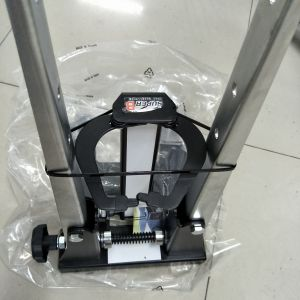 Super B professional wheel truing stand