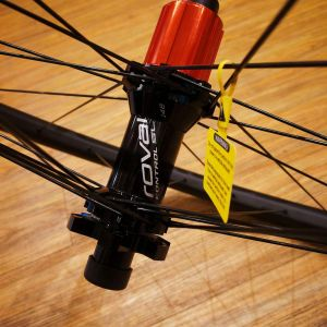 SPECIALIZED ROVAL CONTROL SL CARBON WHEELS !
