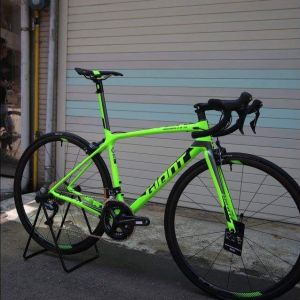 ALL NEW 2018 GIANT TCR Advanced SL 2 KOM(S size only)