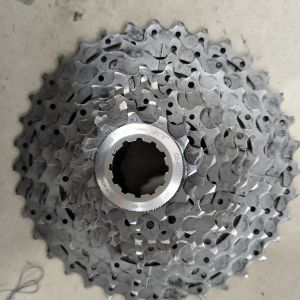 Shimano deore xt 11-36 cassette - used less than 2months