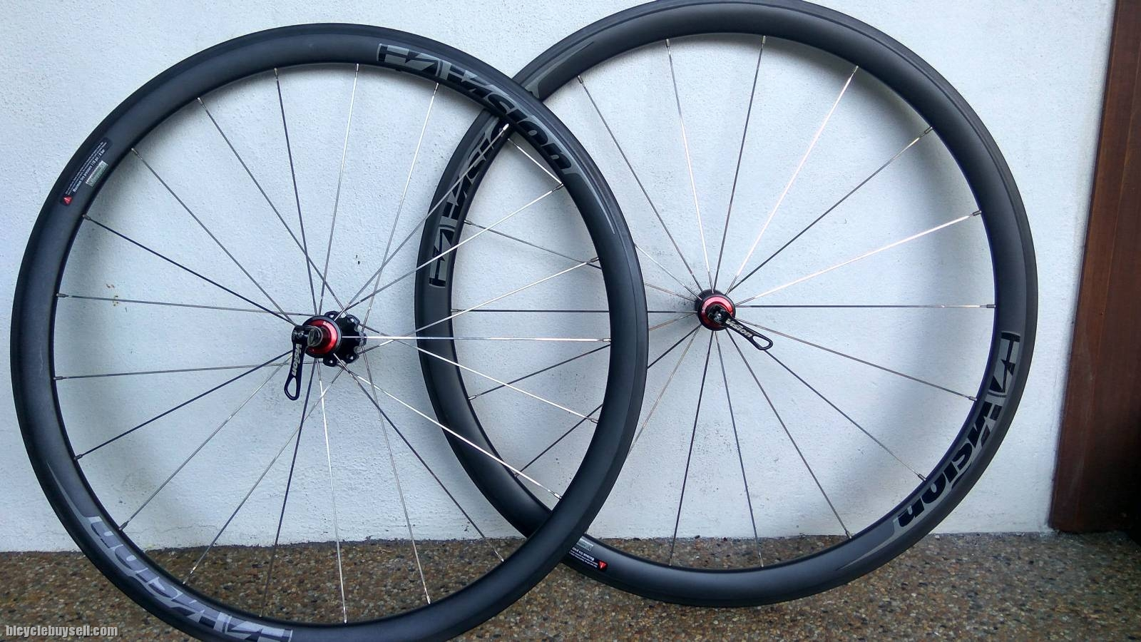 Vision Trimax 40 Clincher Full...