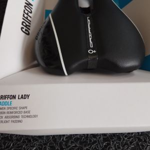 Shimano Pro Griffon Lady Hollow Titanium Rail 142mm Saddle
