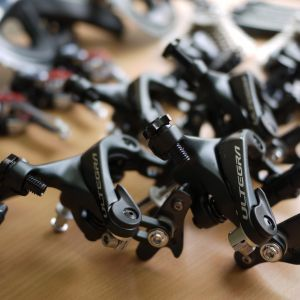 NEW Pair of Shimano Ultegra R8000 Brake Calipers