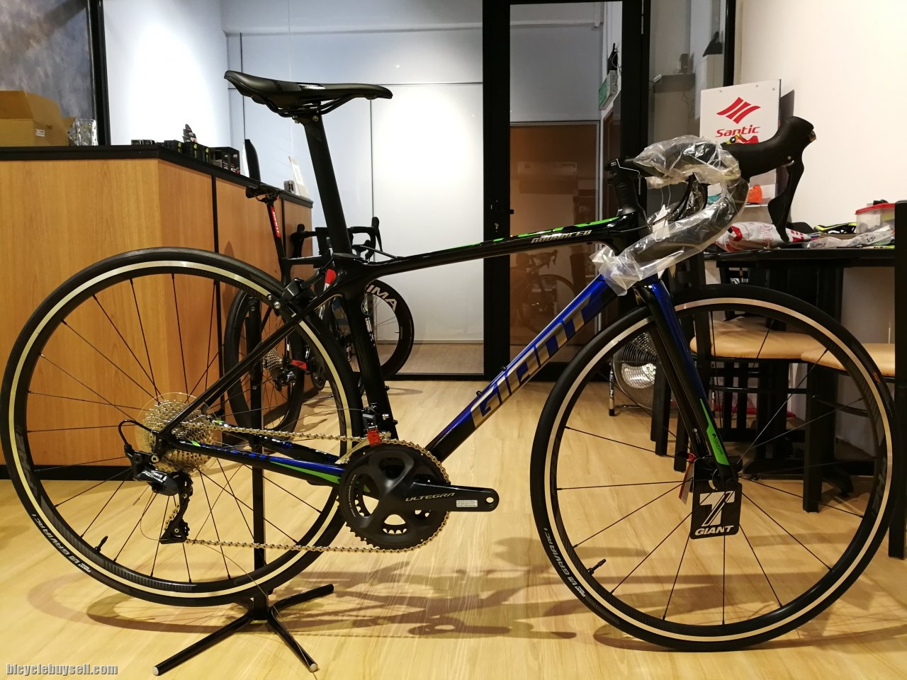 3608d15cf31 2019 GIANT TCR Advanced 1 KOM(Electric Blue) -XS size ONLY
