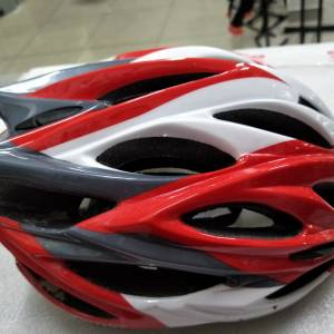 Xdot inmould technology helmet with adjustable strap - used one ride nia