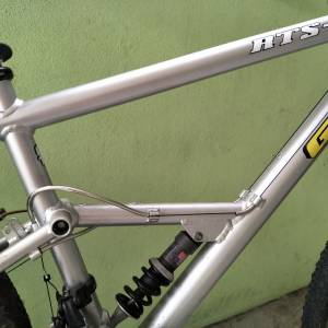 GT rts1 26er vintage retro full suspension bike