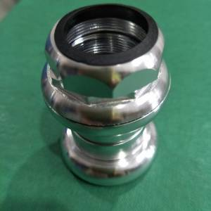 "1"" threaded alloy sealed bearing headset. Silver gloss natural finishing Last set offer rm110"