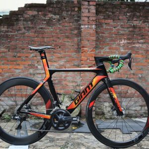 ALL NEW 2018 GIANT Propel Advanced SL 1 Disc(S size ONLY)