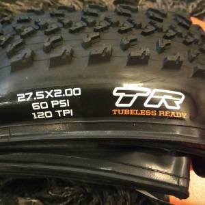 Maxxis Hot Shot 27.5 x 2.0 Tubeless Ready MTB Folding Tire ( 1 PAIR )
