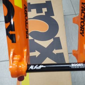 "27.5"" Fox Fork Float 36K Grip2 180mm Shiny Orange, 2019"