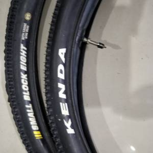 Kenda small block eight 27.5*1.95 2pcs tires with tube - just one ride used - studs just like new