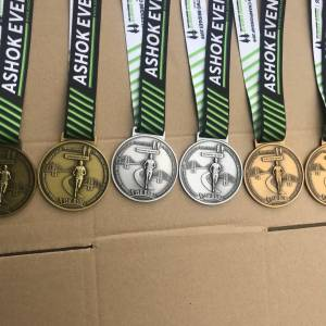 CUSTOMIZE CYCLING APPARELS & EVENT MEDALS