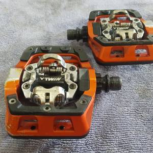 DMR V-Twin SPD Clipless Pedals Orange
