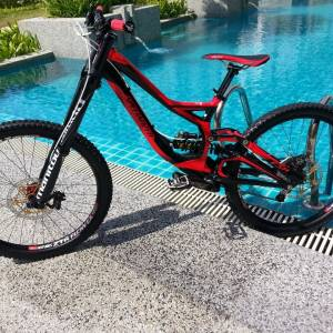 SPECIALIZED DEMO 8 / S size Cane Creek Double Barrel shock